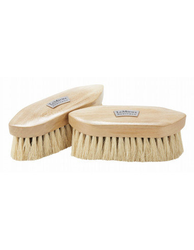LeMieux Heritage Deep Clean Dandy Brush